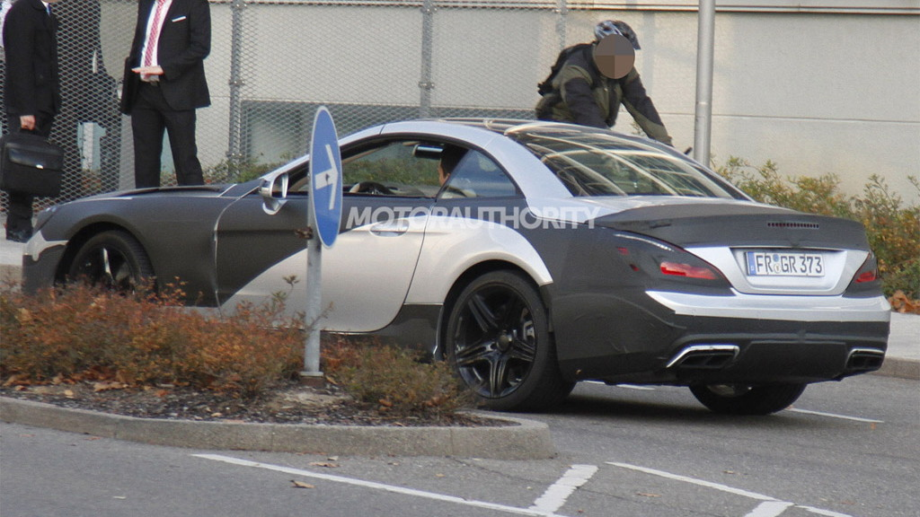 2013 Mercedes-Benz SL63 AMG spy shots
