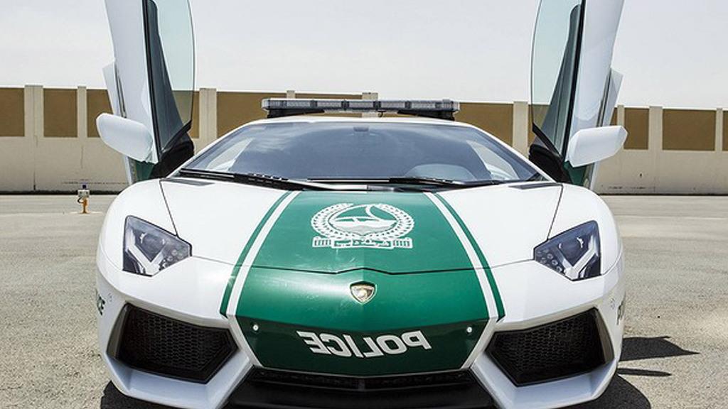 Lamborghini Aventador LP 700-4 police car - Image: Dubai Police