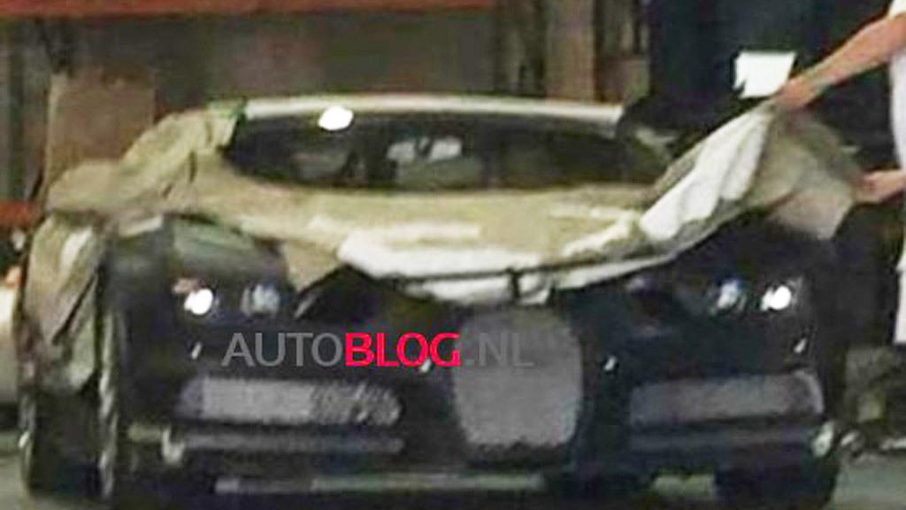 2016 Bugatti Chiron spy shots - Image via Autoblog.nl