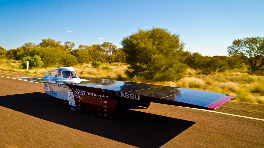 Stanford Solar Car 2015 by Flickr user SUSolarCar (Used under CC License)
