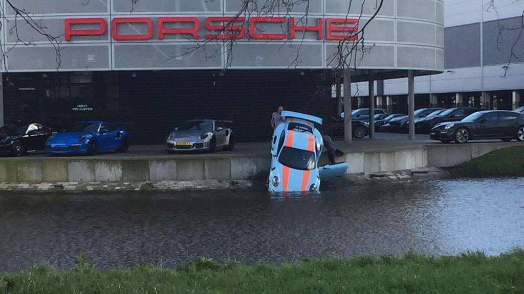 Porsche 911 GT3 RS accident in Amsterdam - Image via RS Porsche Magazine