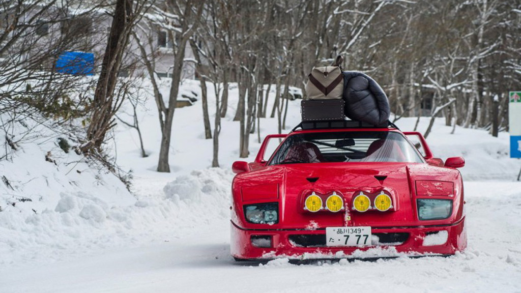 Ferrari F40 tackles a ski slope in Japan - Image via Kunihisa Kobayashi