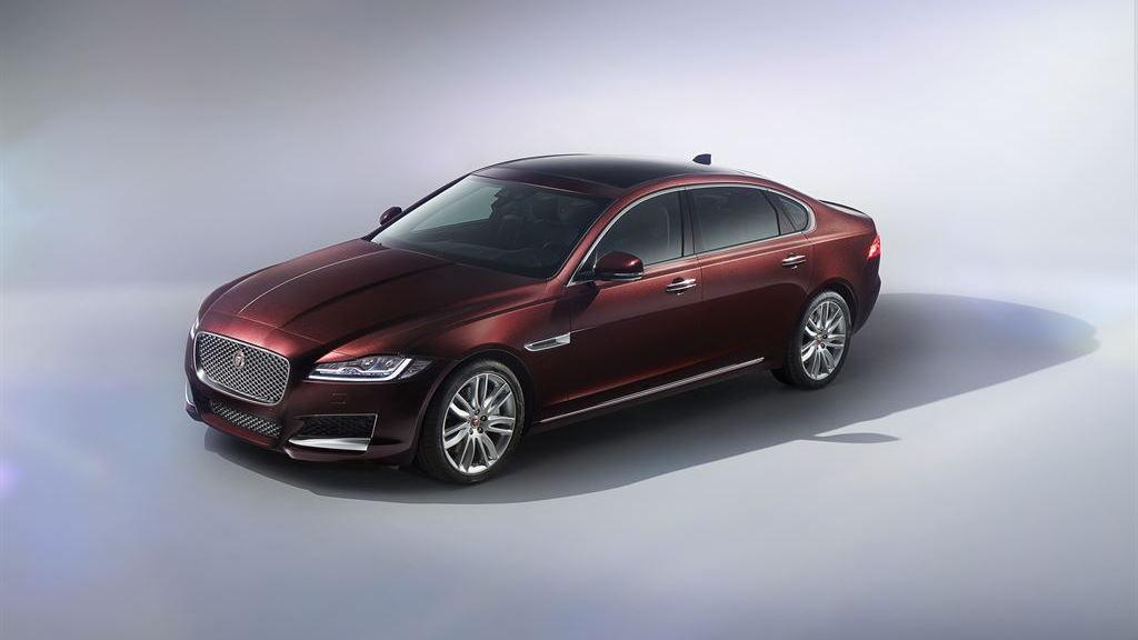 2016 Jaguar XFL