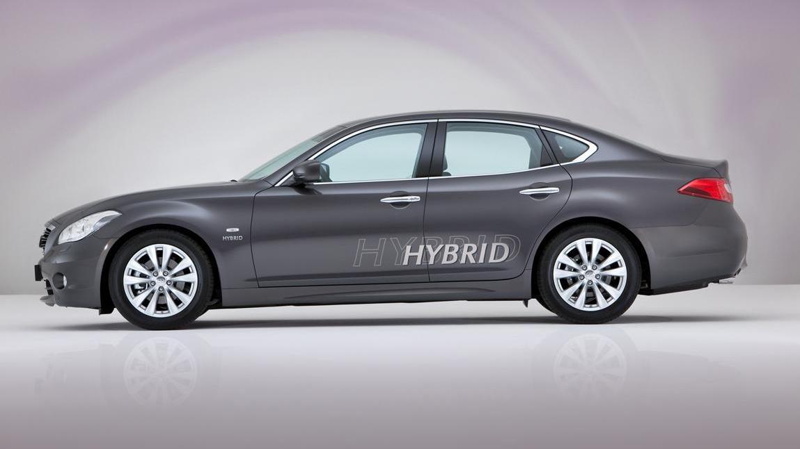 2012 Infiniti M35h hybrid sedan