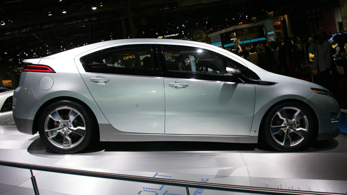 2010 chevrolet volt live paris 006