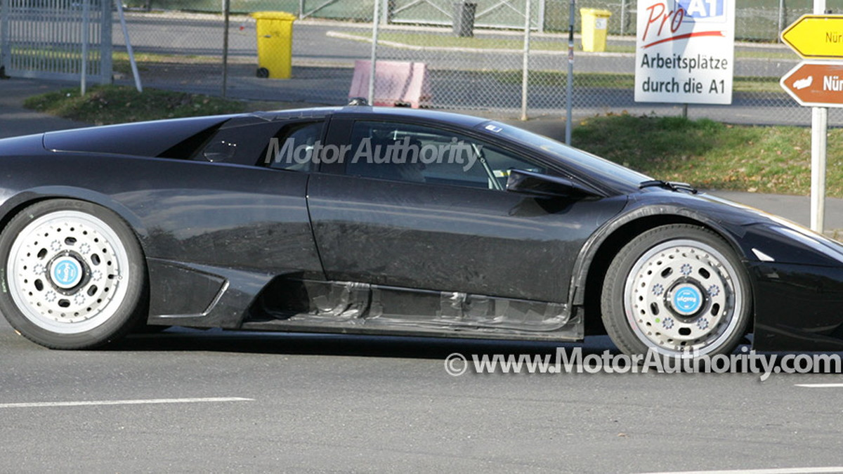 2011 next generation lamborghini murcielago spy shots oct 012