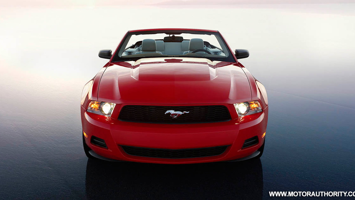 2010 ford mustang 010