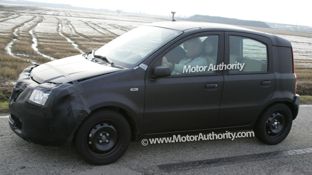 2011 fiat panda test mule spy shots november 003
