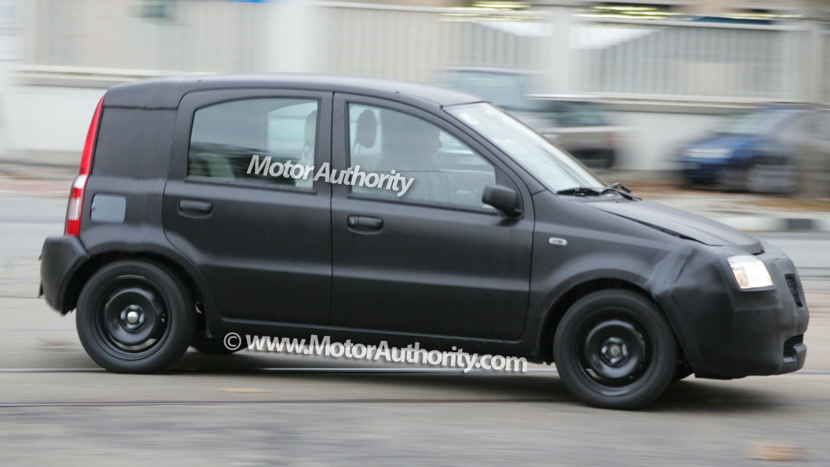 2011 fiat panda test mule spy shots november 007