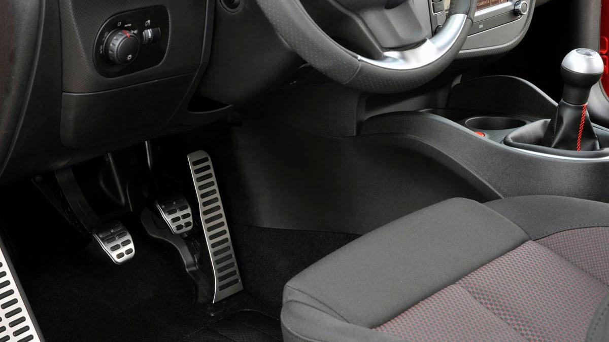 seat leon linea r hatch 031