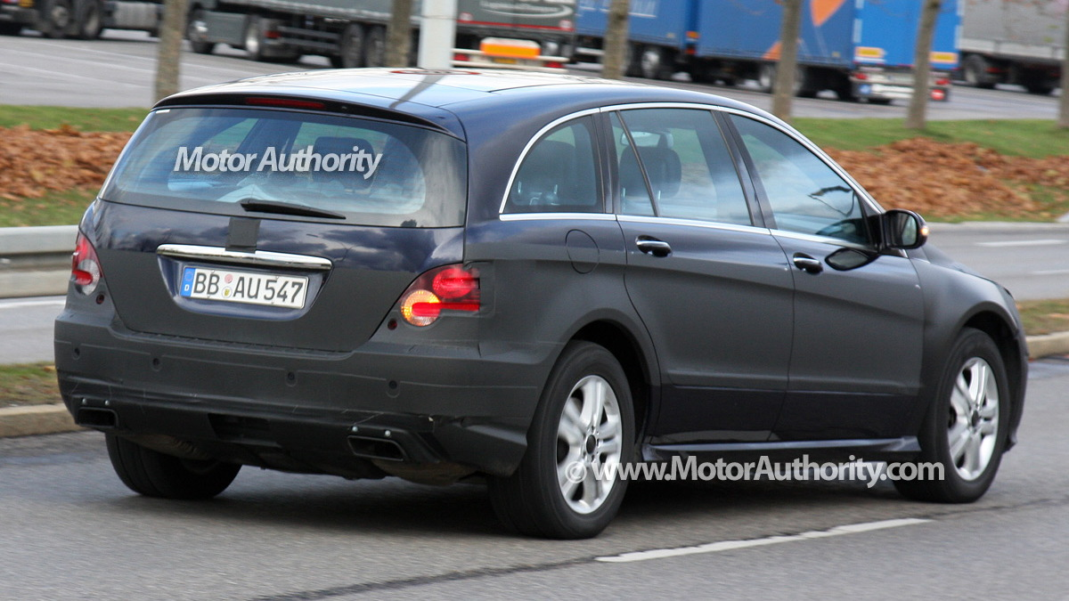 2010 mercedes benz r class facelift spy shots december 007