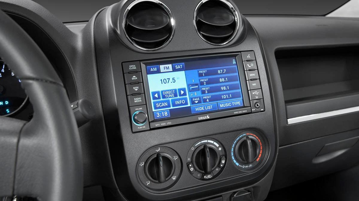 2009 jeep interior redesign motorauthority 013