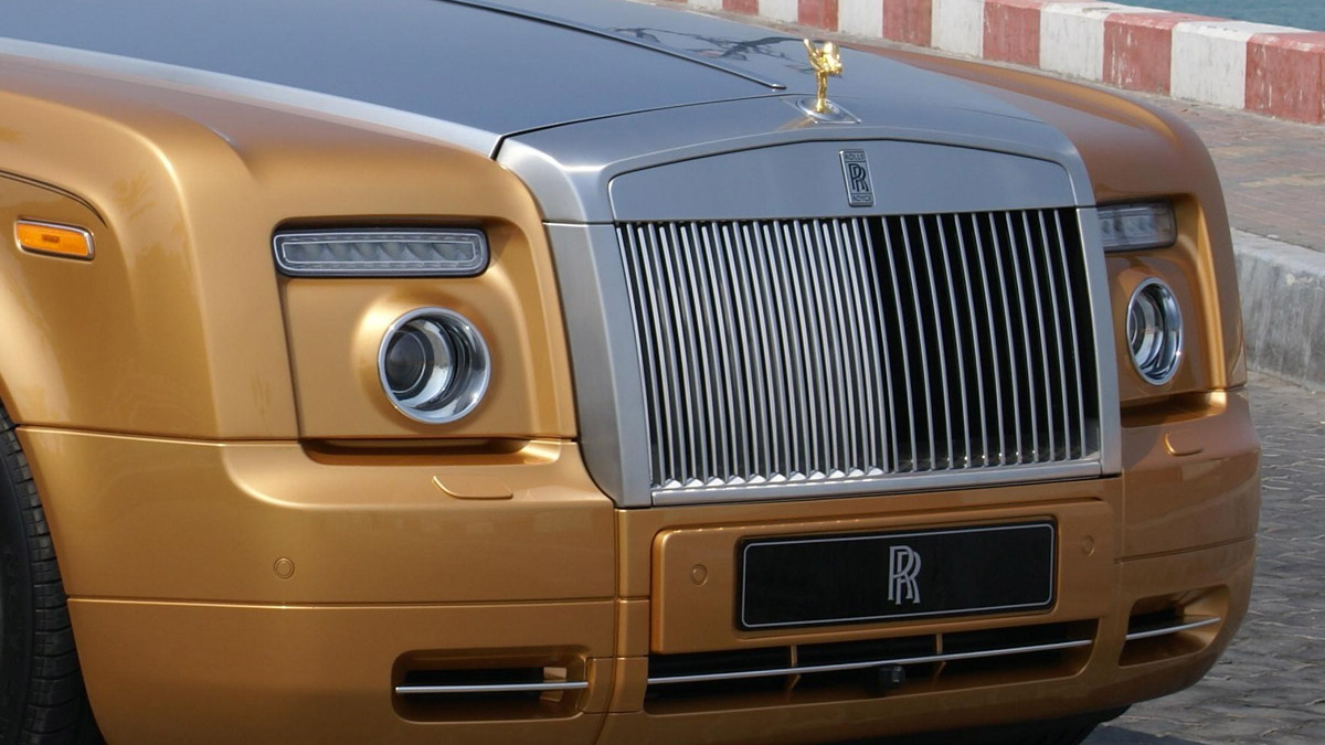 bespoke gold rolls royce phantom drophead coupe abu dhabi 002