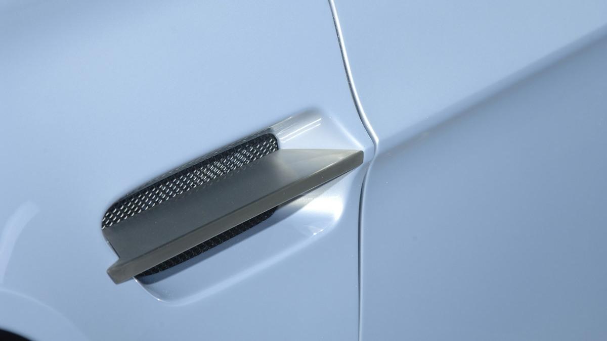 aston martin v12 vantage rs concept motorauthority 002