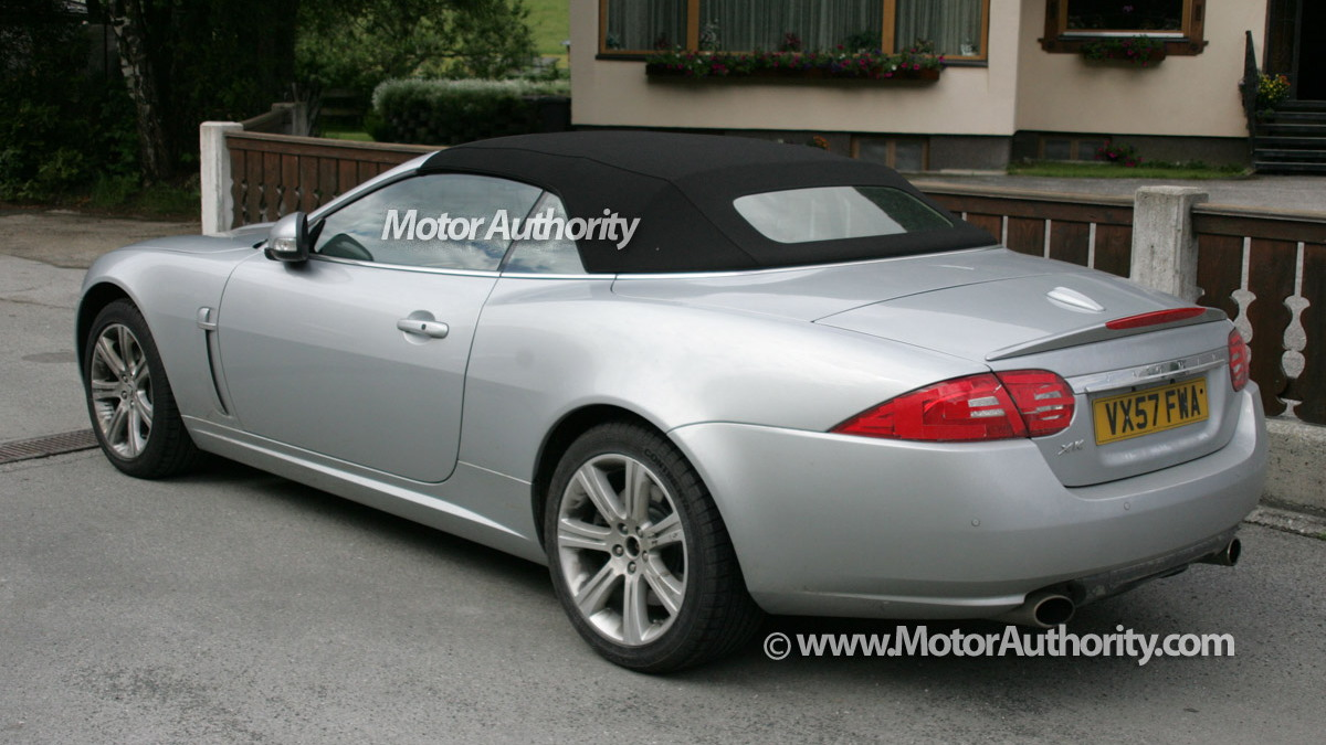 jaguar xk cabrio facelift motorauthority 004