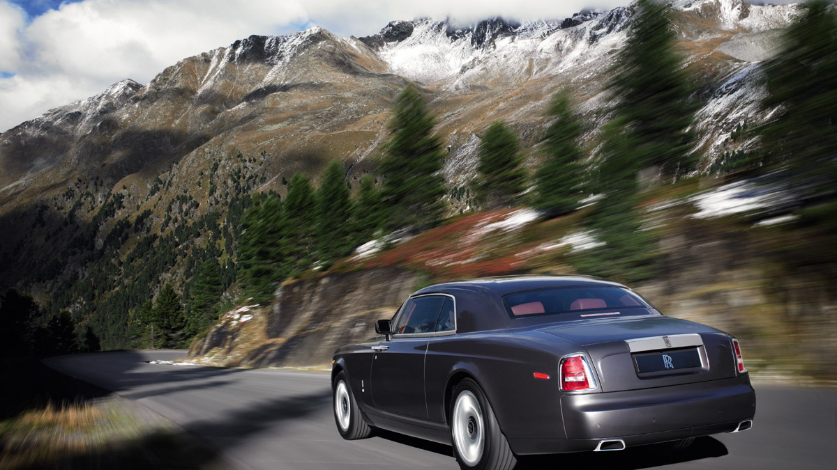 rolls royce coupe motorauthority 002