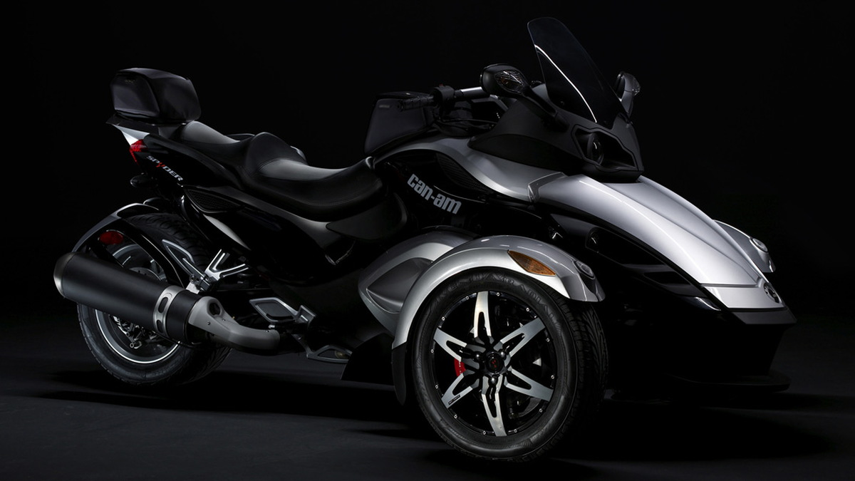 can am spyder motorauthority 002