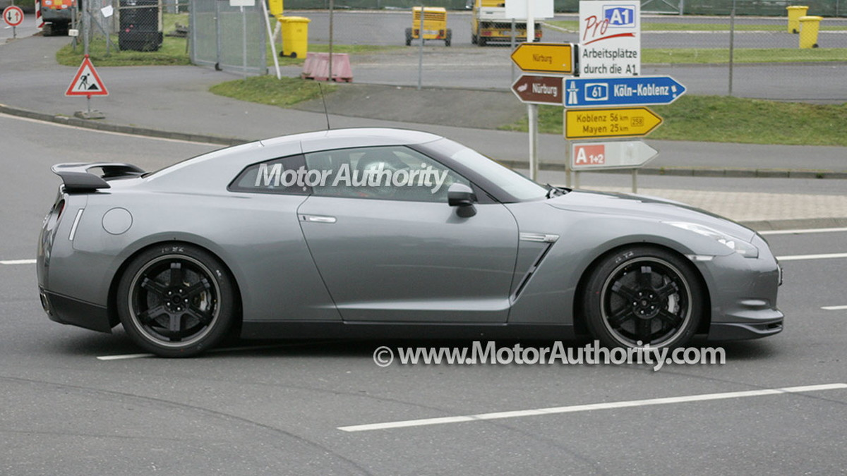 2010 nissan gtr v spec spy shots sept 08 003