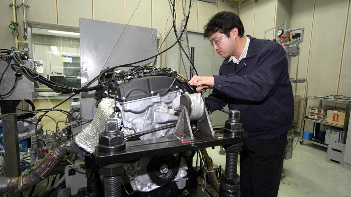 Hyundai Gasoline Direct Injection Theta II Four-Cylinder Engine