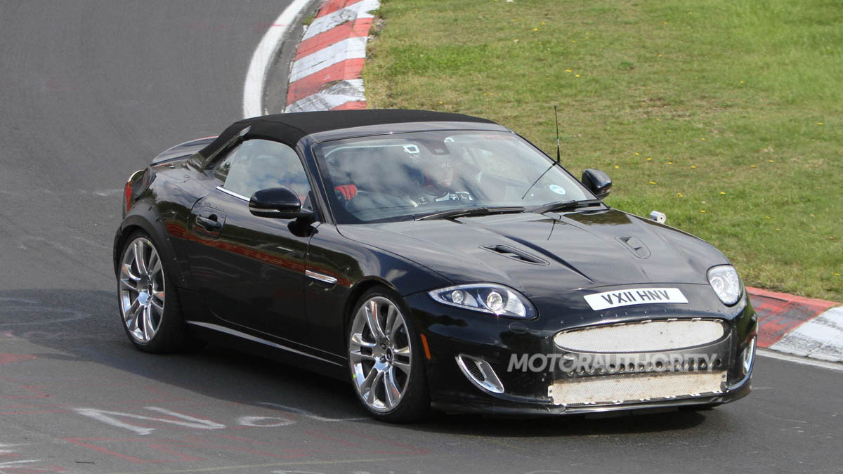 2013 Jaguar XE Coupe test mule spy shots
