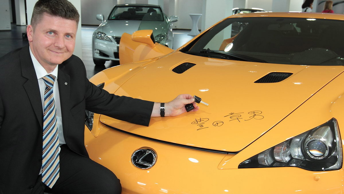 Eric Weinberger and his Lexus LFA Nürburgring Edition signed by Akio Toyoda