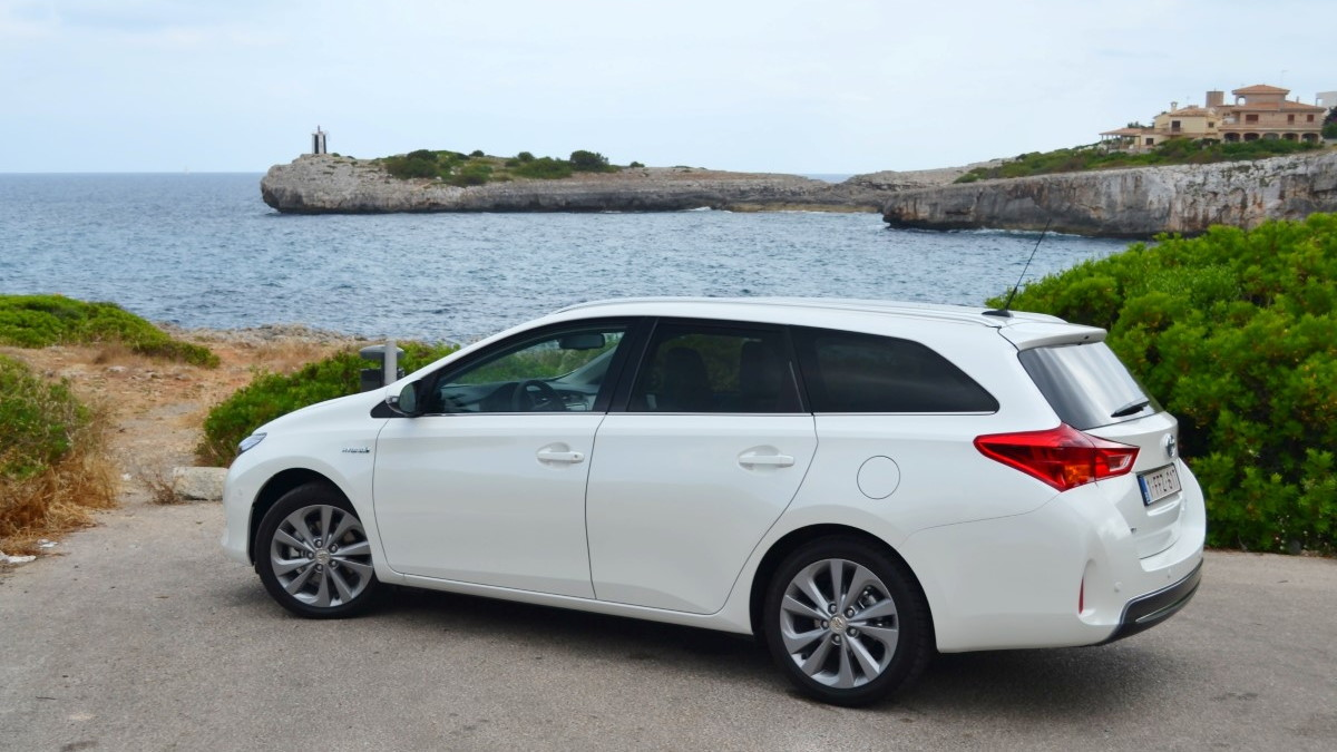 Toyota Auris Touring Sports Hybrid first drive, Mallorca