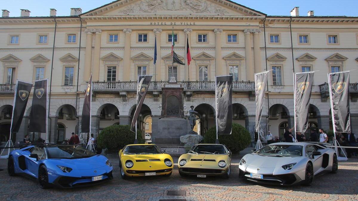 Lamborghini celebrates Miura's 50th anniversary with drive up St. Bernard Pass