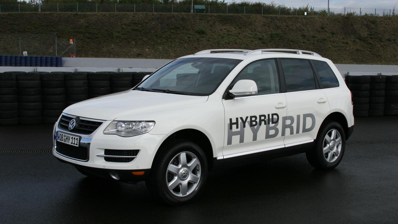 Volkswagen Touareg Hybrid development prototype, October 2009