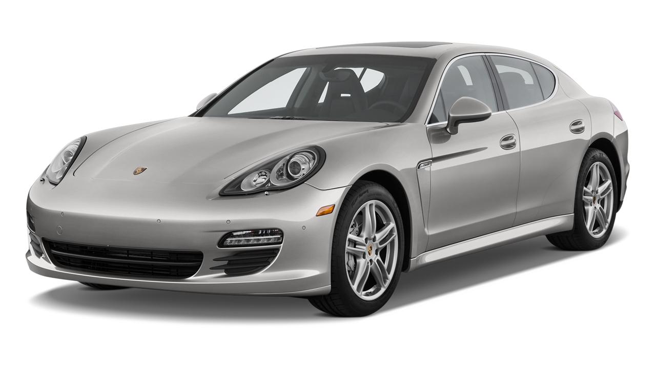 2010 Porsche Panamera 4-door HB 4S Angular Front Exterior View