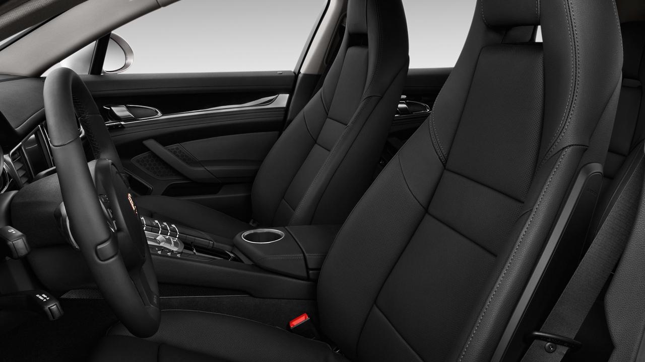2010 Porsche Panamera 4-door HB 4S Front Seats