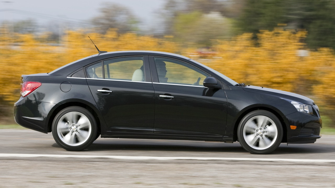 2011 Chevrolet Cruze preview