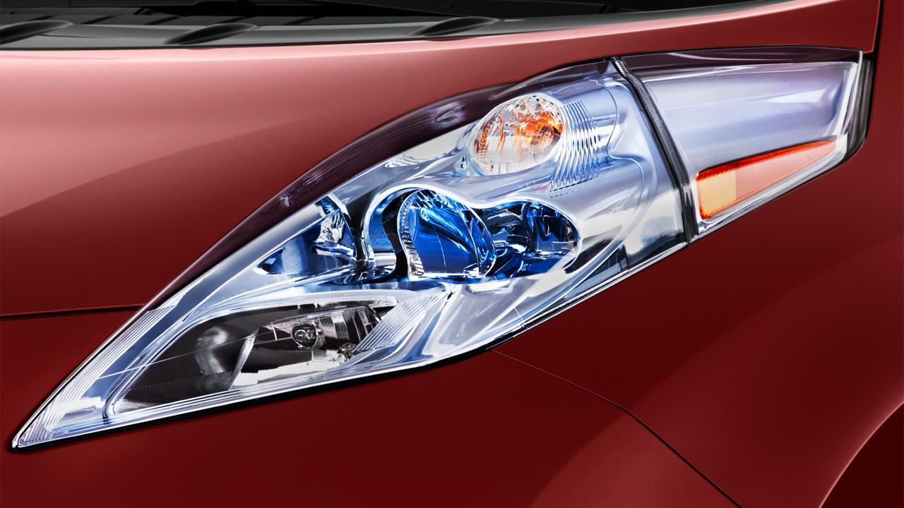 2012 Nissan Leaf 4-door HB SL Headlight
