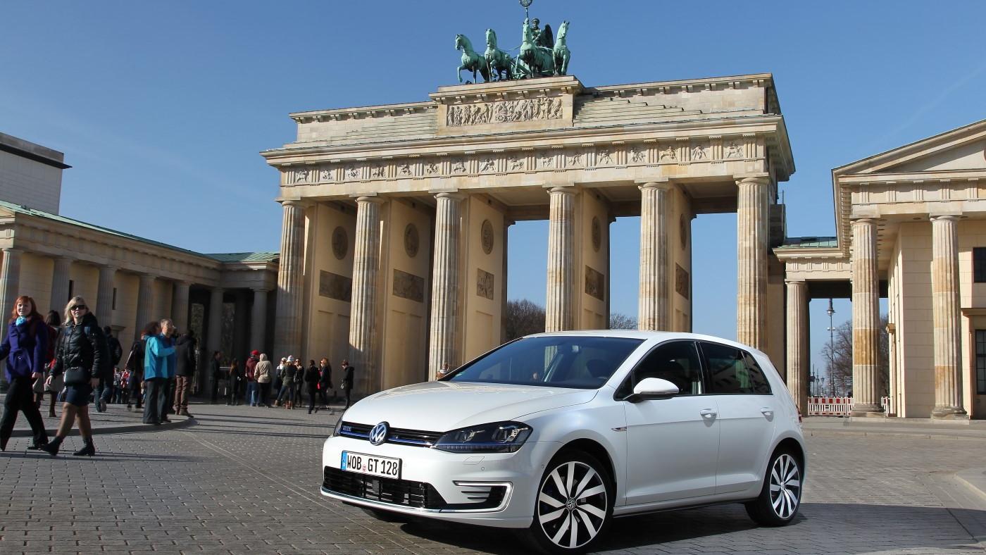 2015 Volkswagen Golf GTE