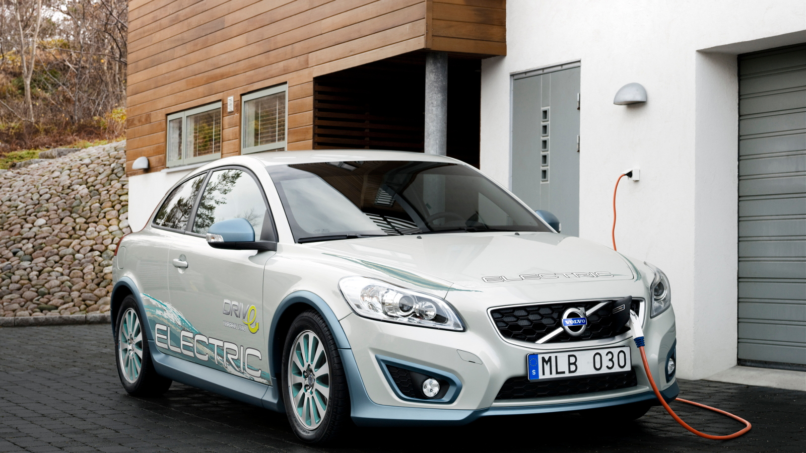 2010 Paris Auto Show: Volvo C30 DRIVe Electric