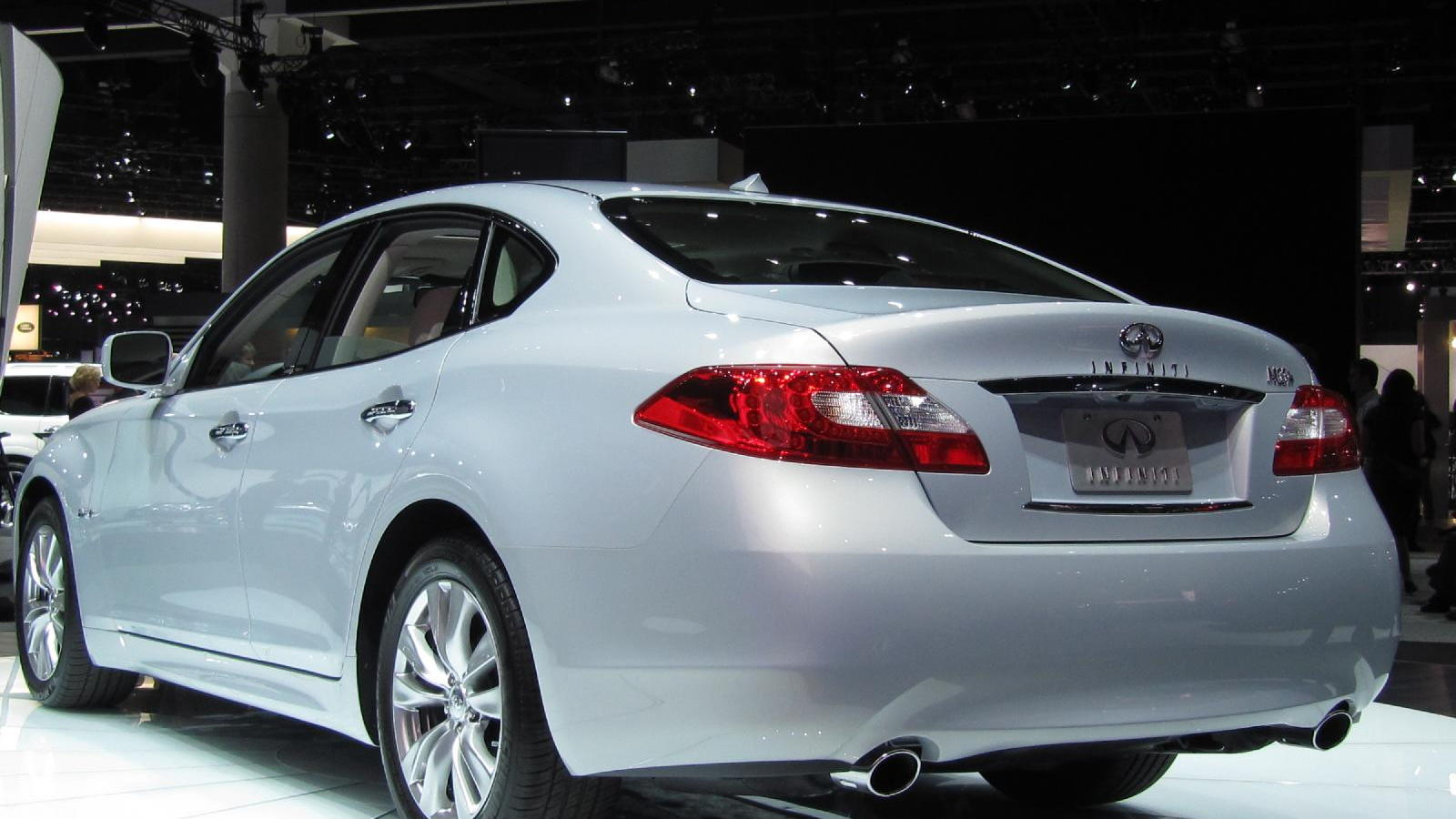 2012 Infiniti M Hybrid, at the 2010 Los Angeles Auto Show