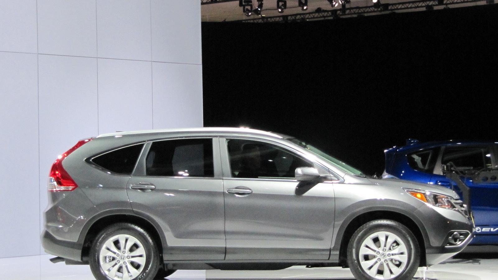 2012 Honda CR-V live reveal at Los Angeles Auto Show, Nov 2011