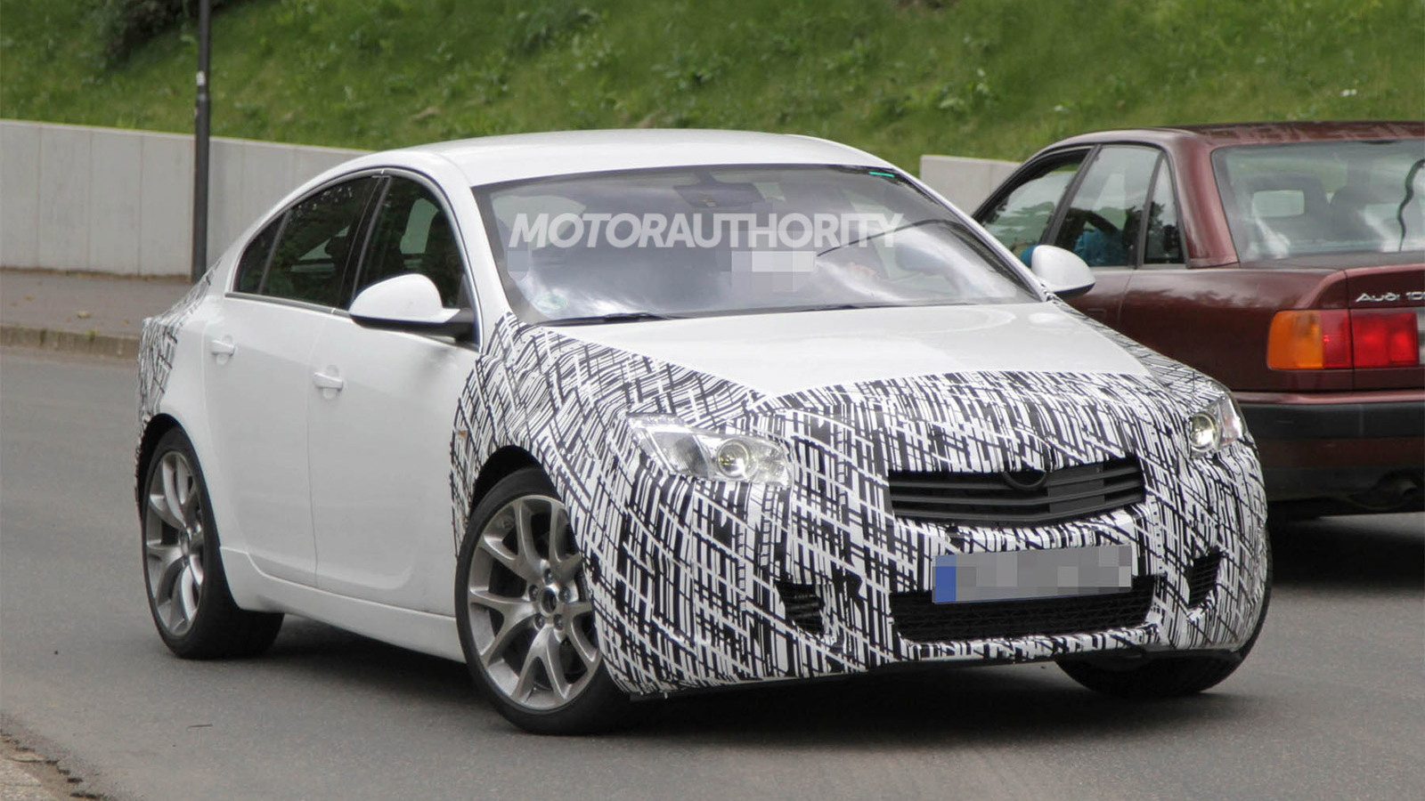 2014 Buick Regal GS facelift spy shots