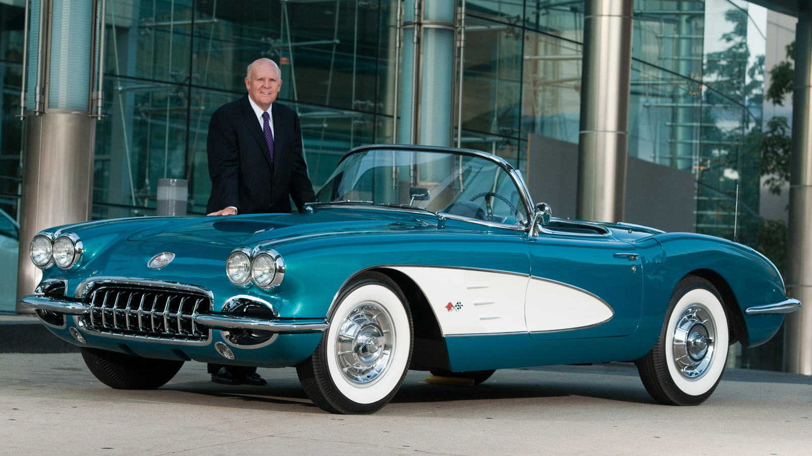 GM CEO Dan Akerson and his 1958 Chevrolet Corvette that will be sold for charity