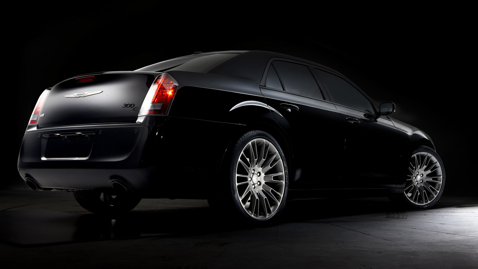 2013 Chrysler 300C John Varvatos Limited Edition