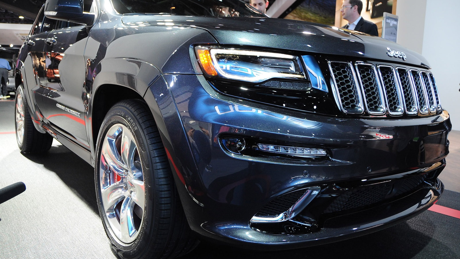 2014 Jeep Grand Cherokee SRT - 2013 Detroit Auto Show