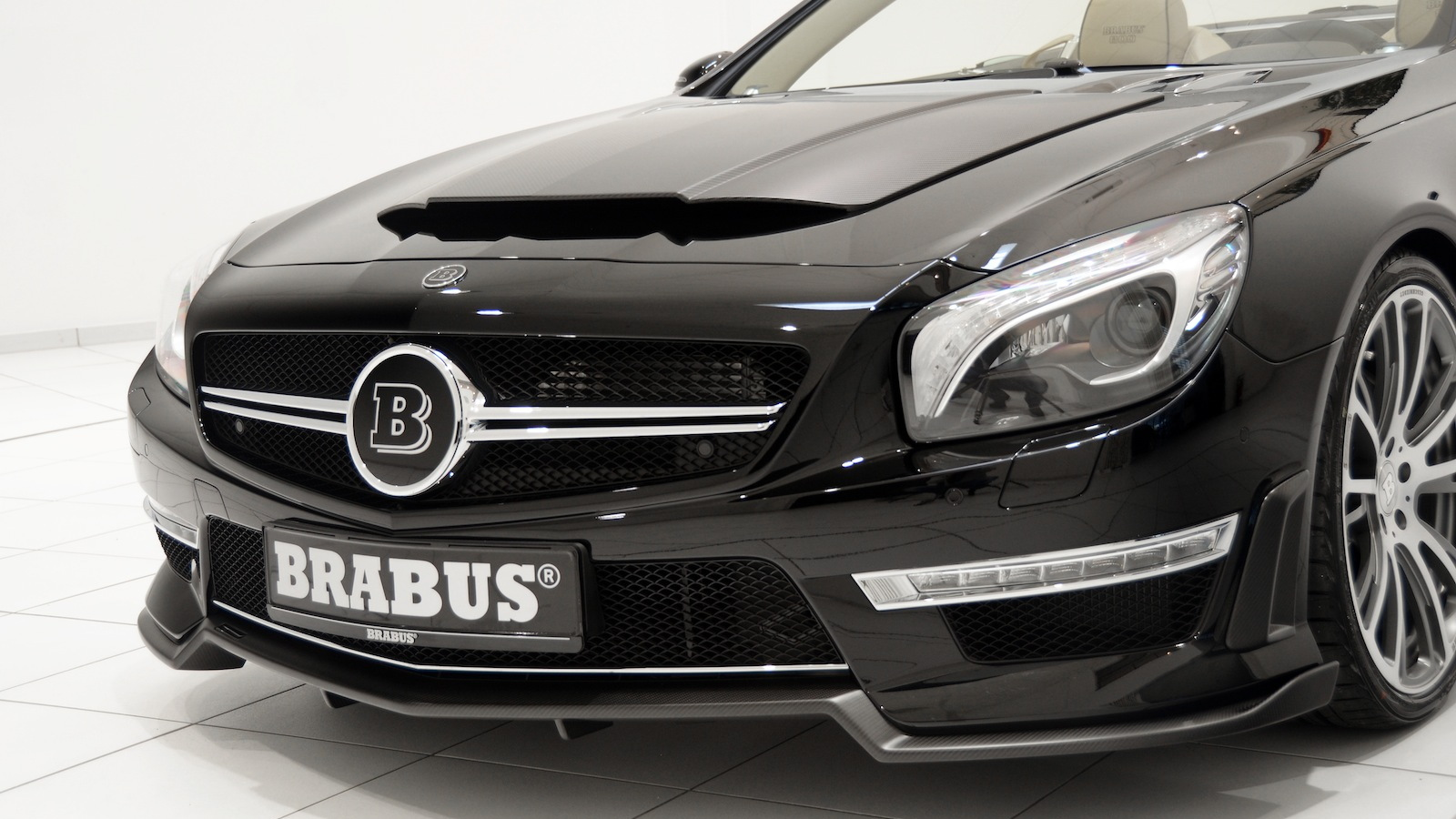 The Brabus 800 Roadster - image: Brabus