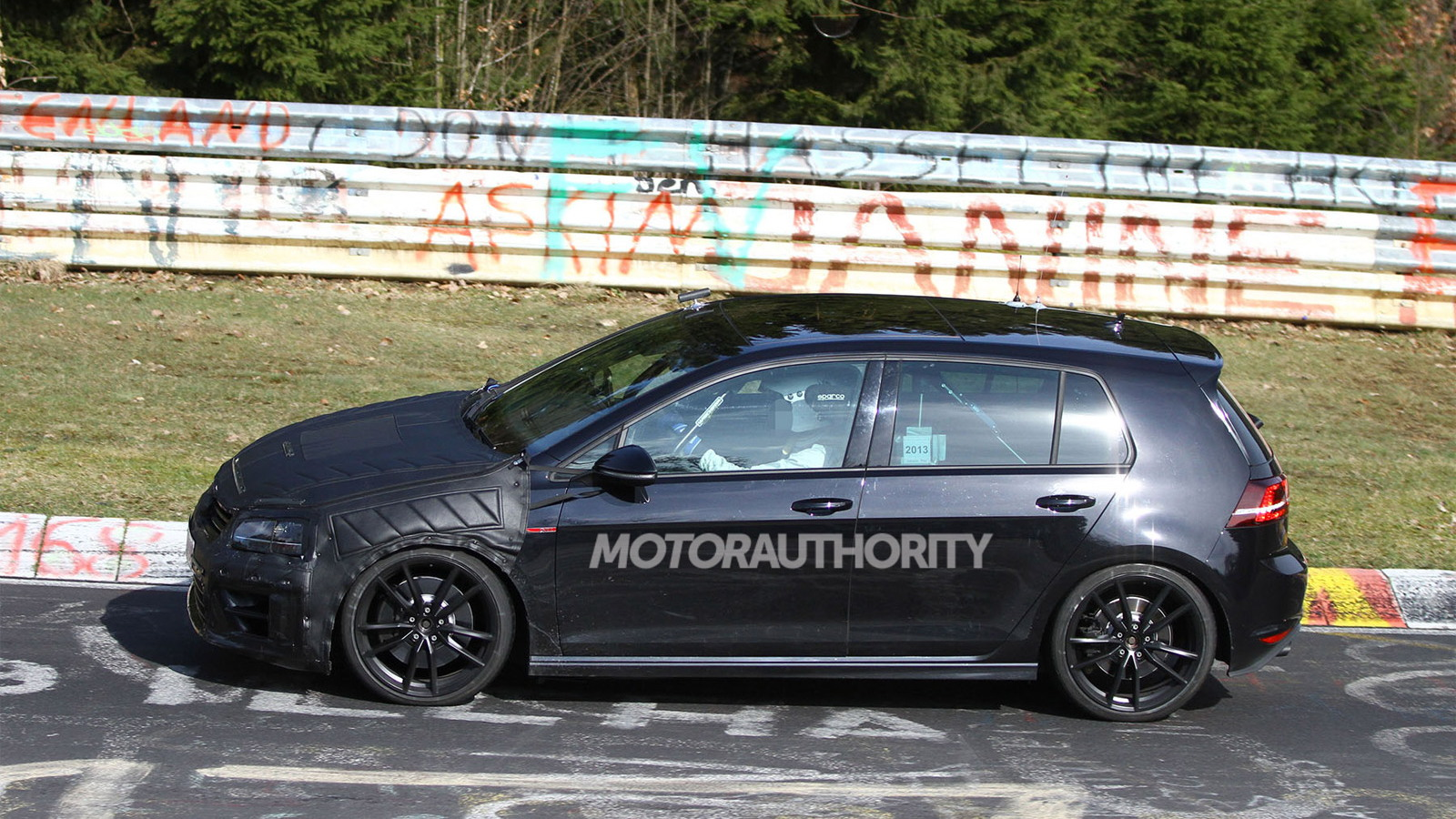 2015 大众汽车 Golf R spy shots