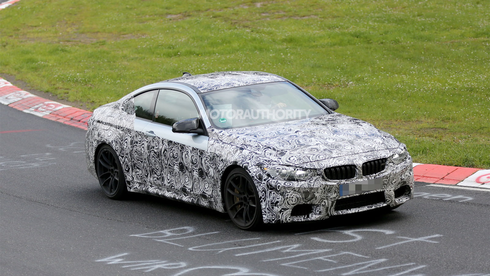 2014 BMW M4 spy shots
