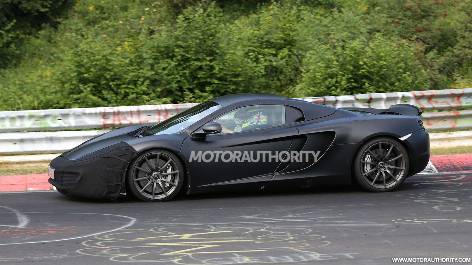 2014 McLaren MP4-12C Spider facelift spy shots