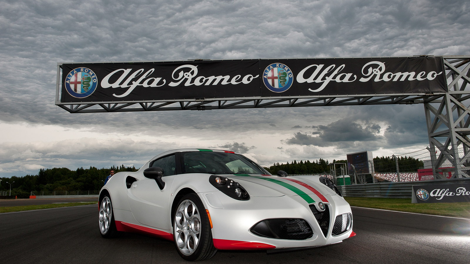 Alfa Romeo 4C 2013 World Superbike Championship safety car