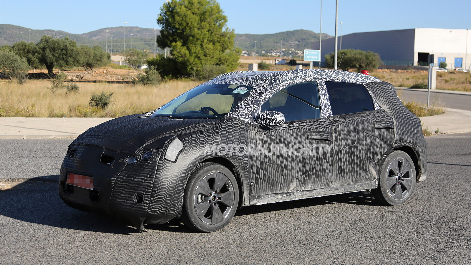 2015 Nissan compact hatch spy shots
