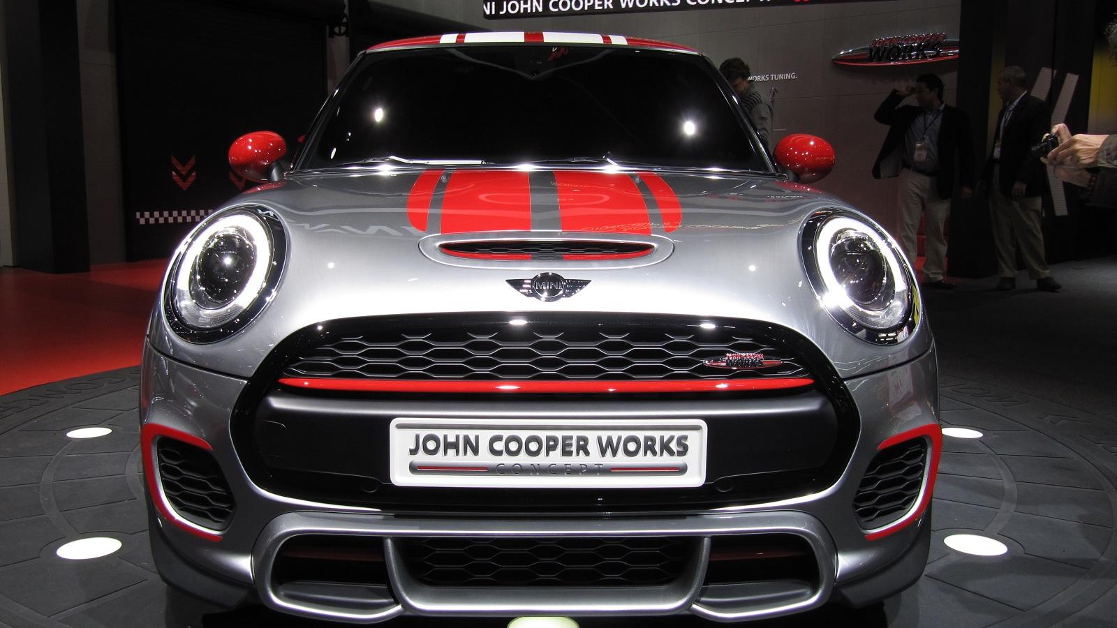 MINI John Cooper Works concept, unveiled at 2014 Detroit Auto Show