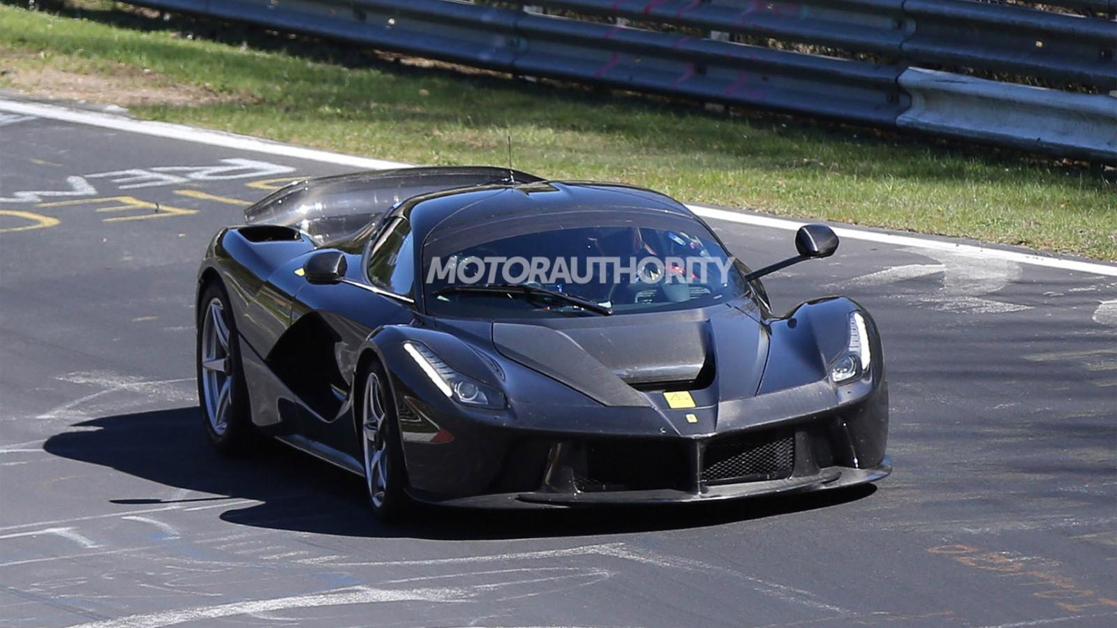 2015 Ferrari LaFerrari XX spy shots