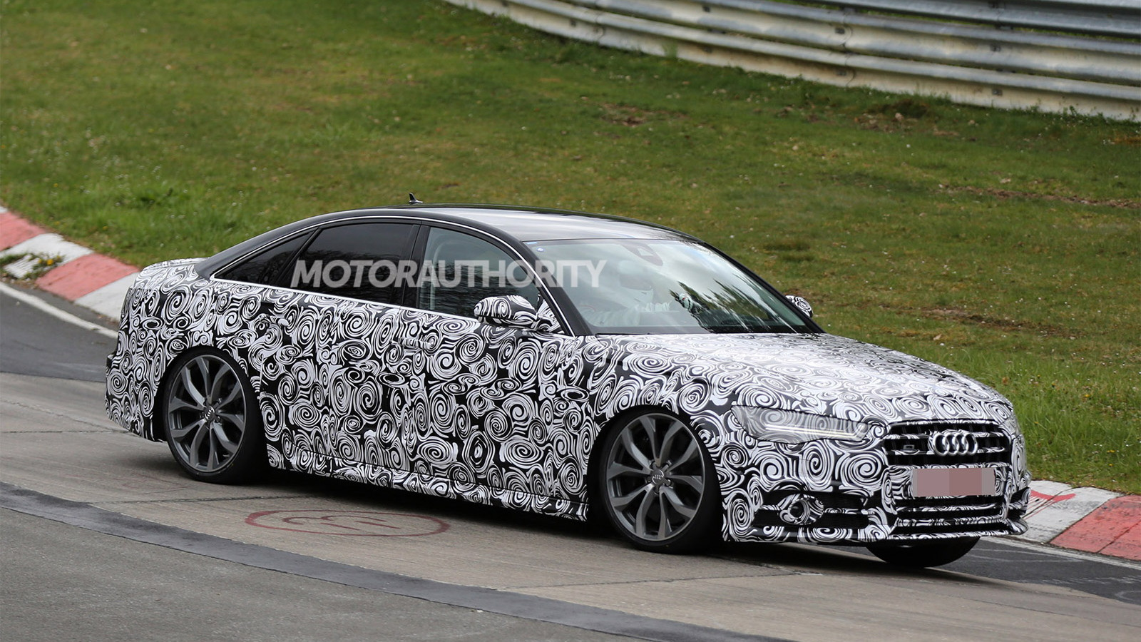 2016 Audi S6 facelift spy shots