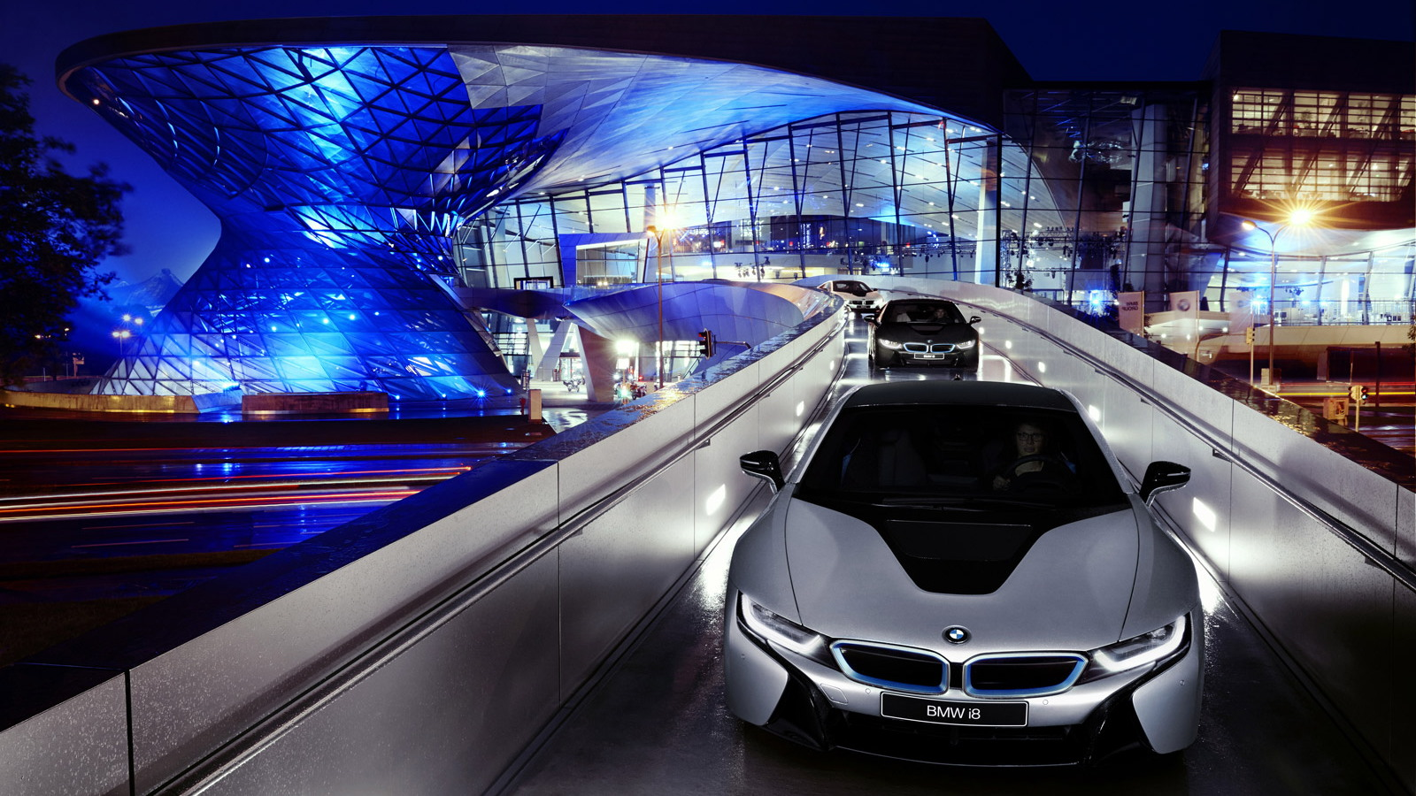 First BMW i8s delivered to customers